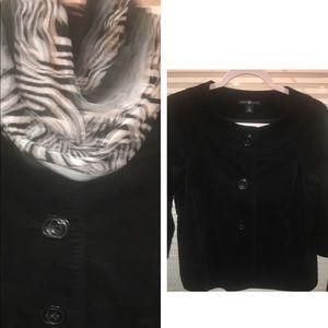 Gap blk velvet jacket w/ Lg buttons sz6
